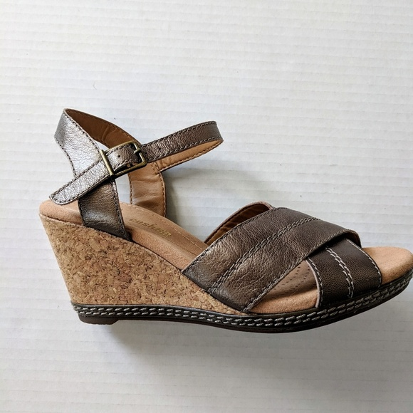 90e8c499a1f Clarks Shoes - Clarks Helio Latitude Wedge Sandals Size 5